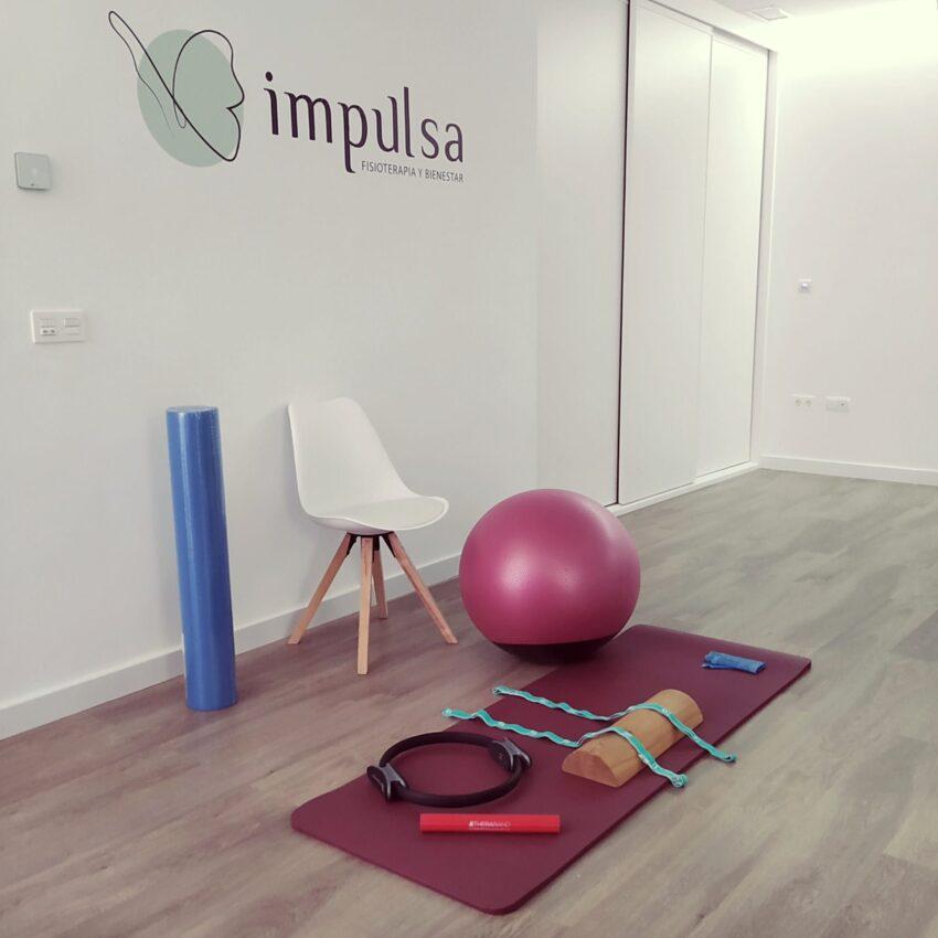 Sala de ejercicio terapéutico en Impulsa Fisioterapia